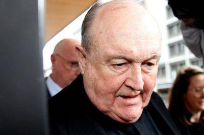 El Papa le aceptó la renuncia al obispo más poderoso de Australia por encubridor