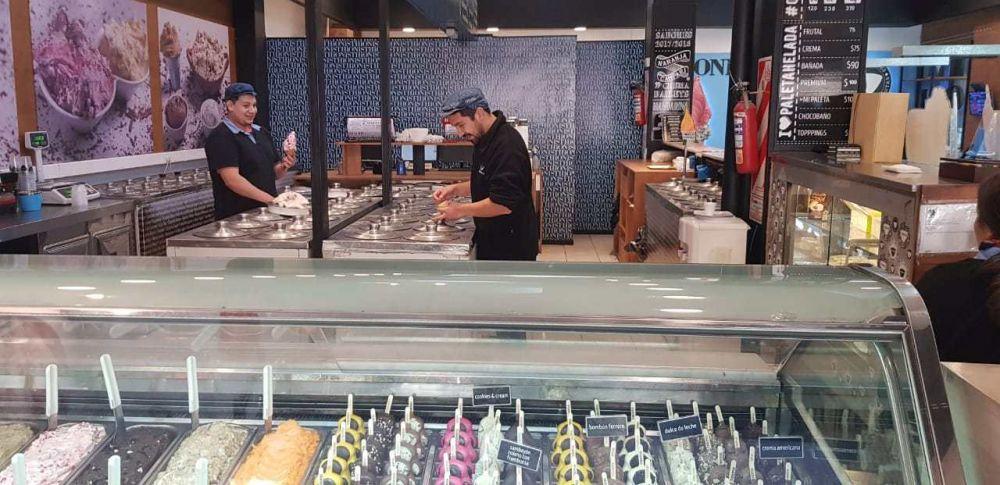 Pasteleros volvió a romper el techo salarial y firmó subas del 25% para heladeros