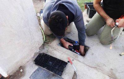 Instalan 200 nuevos medidores de agua potable en Anguil