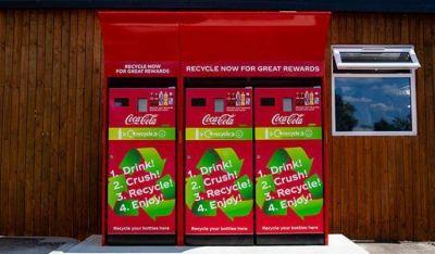 Presentan las nuevas máquinas recicladoras de Coca Cola