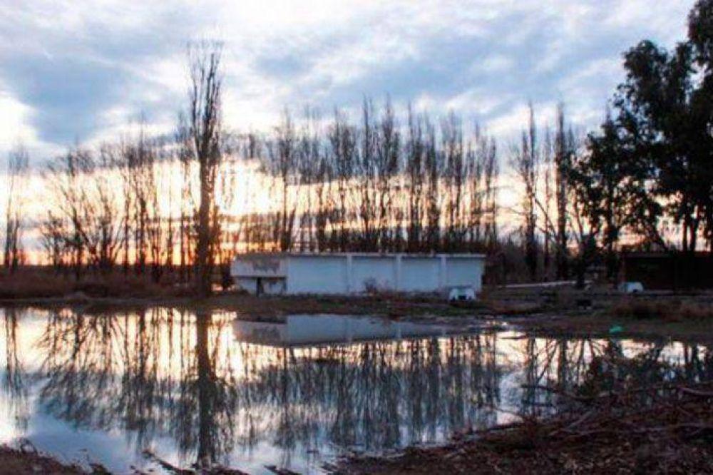 Denuncian que Río Negro sigue contaminando al Colorado