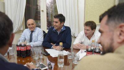 Diputados de Vidal chocan con intendentes y quieren imponer internas en el interior de la provincia