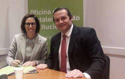 Etchevarren firmó convenio con la oficina anticorrupción