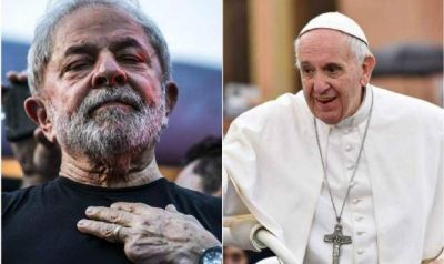 Un libro, un rosario y su bendición: defiende Francisco a Lula y le da un guiño a su candidatura