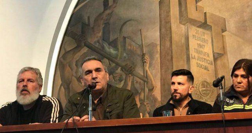 En un cambio de perfil, la CGT albergó un plenario del triunvirato de San Cayetano
