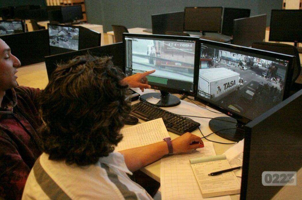 Multas con cámaras del COM: vigilarán también Olavarría y Luro