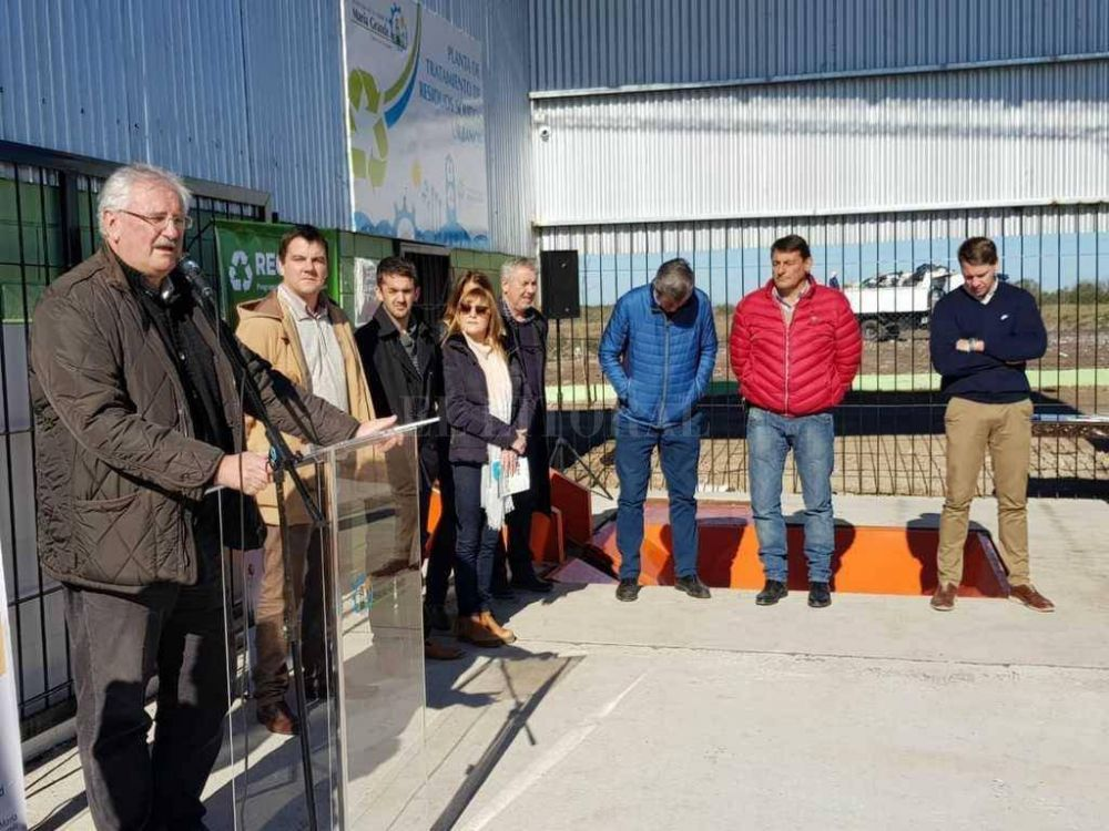 En María Grande comenzó a funcionar la nueva planta de tratamiento de residuos