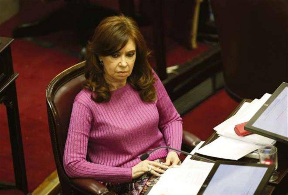 Cuadernos de las coimas: presión oficialista para aprobar los allanamientos a Cristina