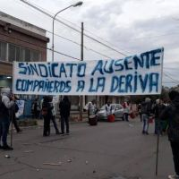 Trabajadores del agua y gaseosas cortaron la calle pidiendo elecciones