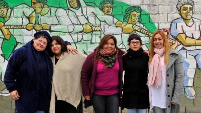 Las mujeres que luchan contra el aborto junto a los curas villeros
