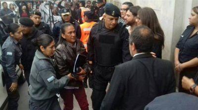 Le revocaron la prisión domiciliaria y trasladaron a Milagro Sala a la cárcel federal de Salta