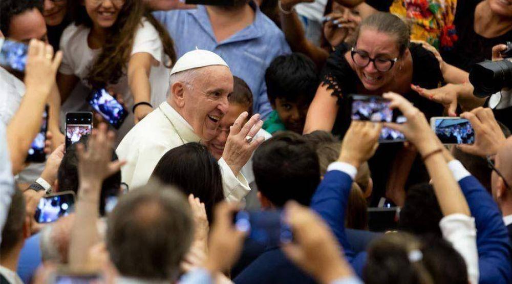 Papa Francisco: Reconocer la propia debilidad abre la puerta a Dios y rechaza la idolatría