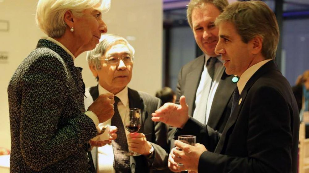 Exclusivo: Caputo habría conseguido autorización del FMI para usar más reservas para contener al dólar
