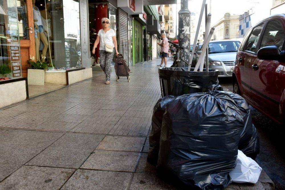 Según una encuesta, la ciudad está sucia y falta mantenimiento en los espacios públicos