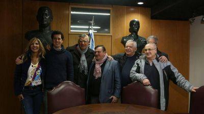 José Luis Gioja volvió al PJ y se quejó de que dejaron