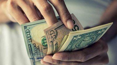 Trump, FMI y soja: ¿Por qué el dólar se disparó y subió casi 50 centavos?