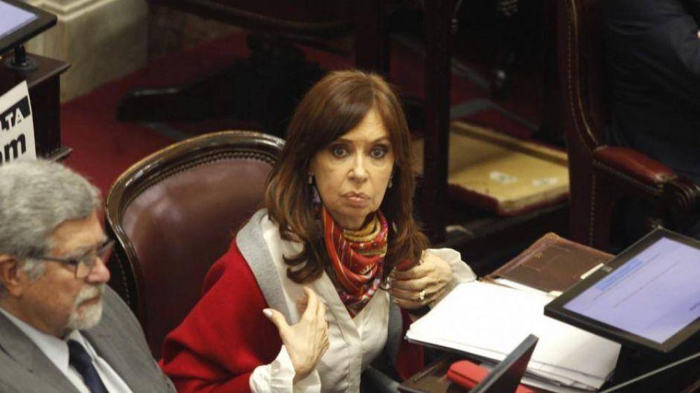 En el kirchnerismo ahora aceptan que Cristina puede ir presa y piden ayuda a los intendentes