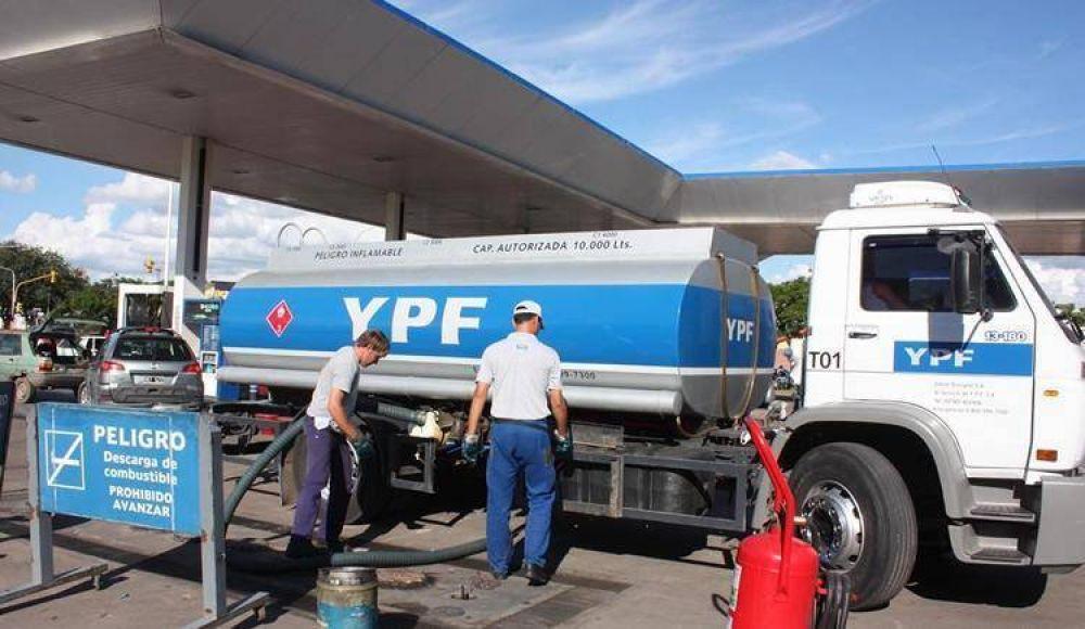 Expendedores confían que la semana próxima se normalizaría el abastecimiento de combustibles
