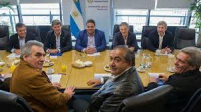 El Gobierno acordó con la CGT reactivar el diálogo