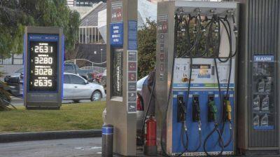 En el Senado piden que el Gobierno explique por qué la nafta aumenta más en el interior