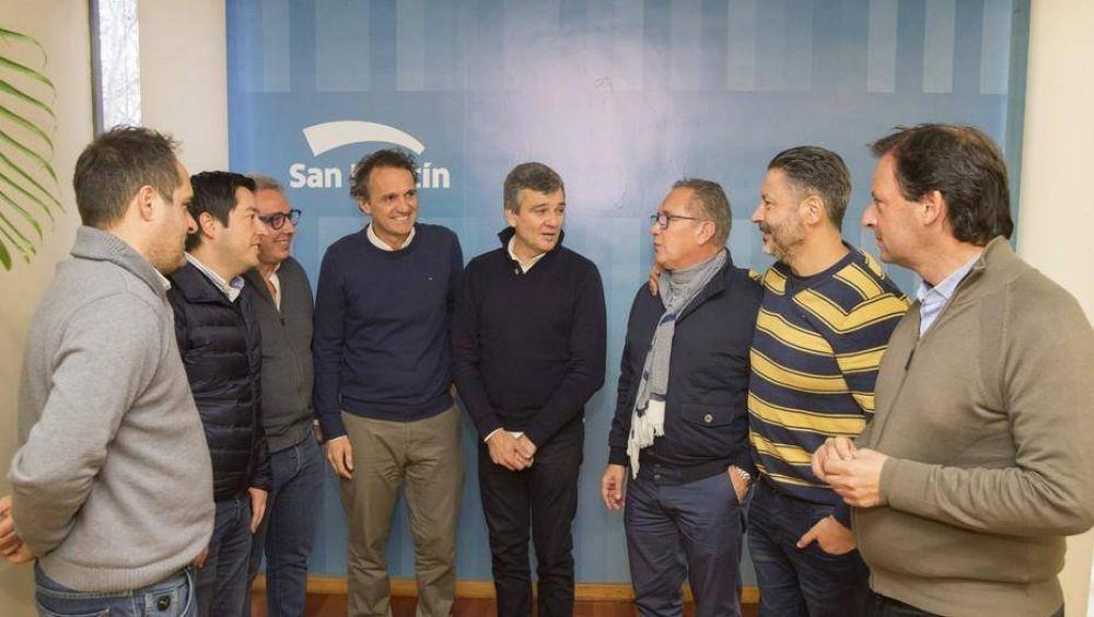 Efecto Cuadernos: sin despegar de Cristina Kirchner, los jefes del PJ sondean a Sergio Massa