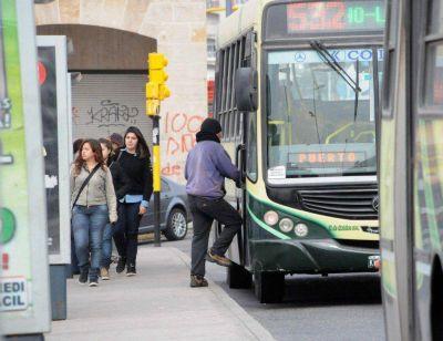 """Boleto: se aprobó el aumento """"escalonado"""" y avanza el tratamiento a Legislación"""