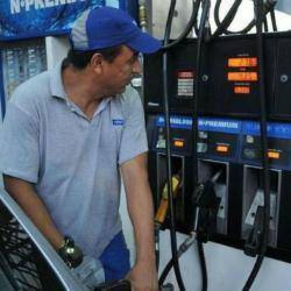 Prevén subas del 10% en nafta súper y gasoil común