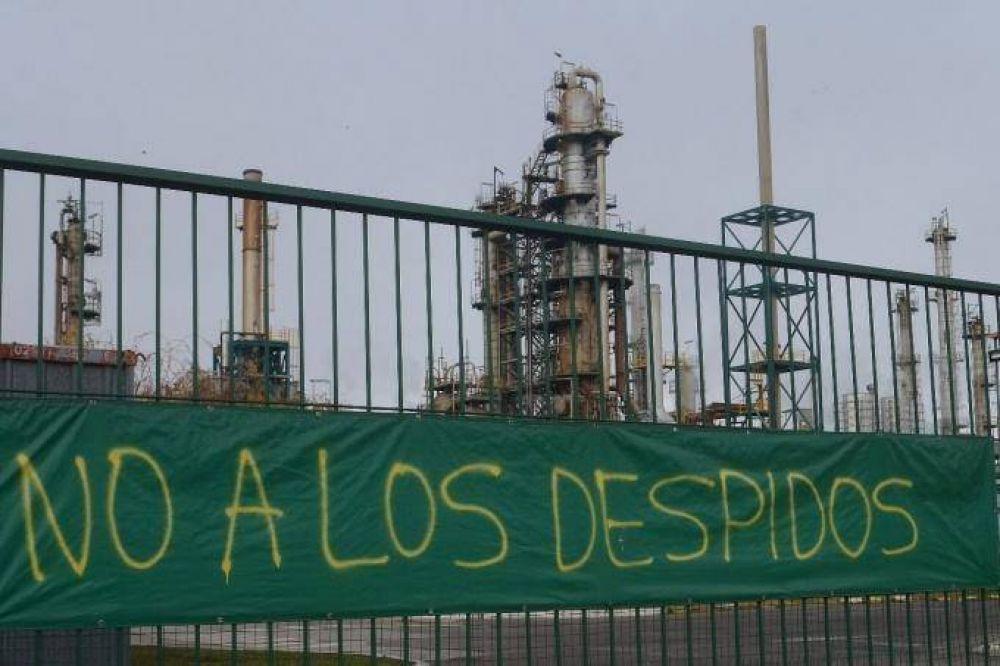 Tras el conflicto, los más de 100 despedidos de la refinería de Bahía Blanca fueron reincorporados