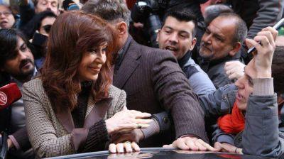 Con el PJ dividido, el Senado debate hoy los allanamientos a Cristina Kirchner