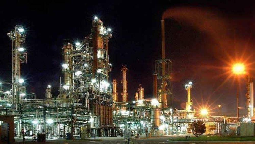 Trafigura volverá a producir combustibles en la Refinería Ricardo Elicabe