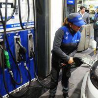 Advierten que la nafta podría volver a subir