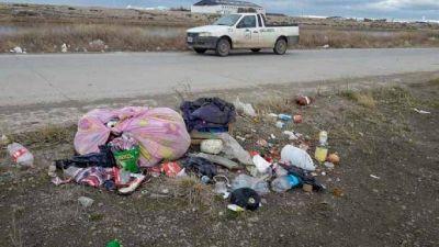 Nuevamente encuentran basura en la laguna Marina