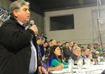 José Rigane en el lanzamieno de la Multisectorial 21F encabezada por Hugo Moyano