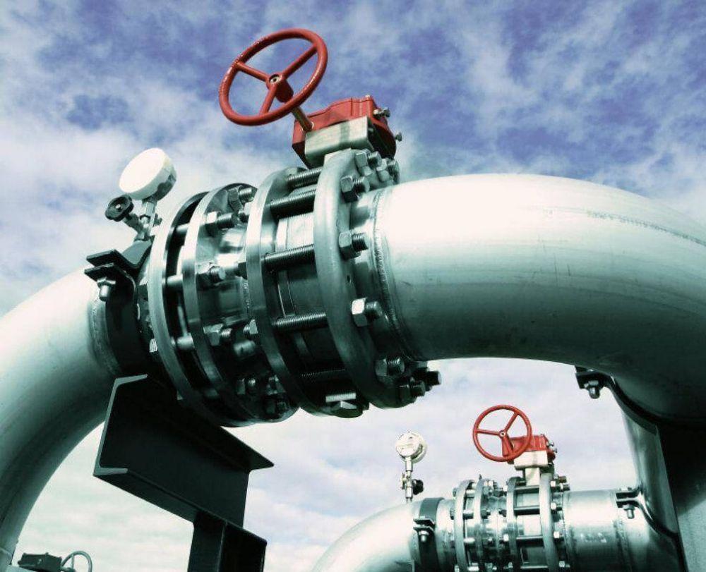 Los precios del crudo suben en esperadas negociaciones comerciales de China