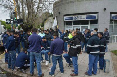 Denuncian a Camuzzi Gas por tercerización