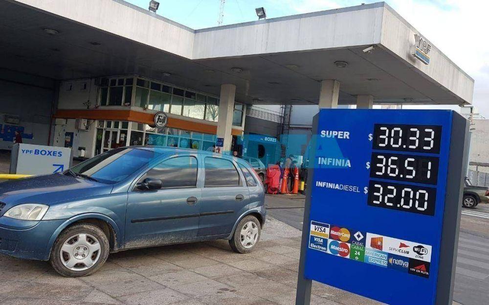 Volvió a aumentar la nafta y ya se acumulan ocho subas en lo que va del 2018