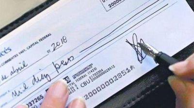 El volumen de cheques rechazados se disparó un 50% en un año