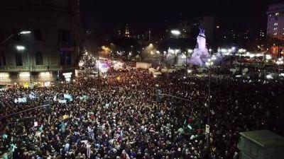 Una movilización sin funcionarios y todas las consignas contra CFK: