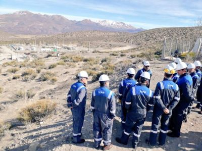 Iguacel recorrió una nueva planta petrolera en Mendoza