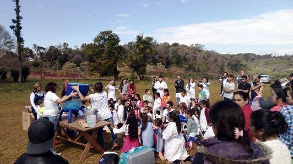 Programa conjunto acerca agua potable a más de 400 alumnos de escuelas rurales