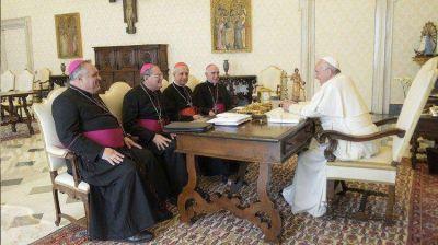 """Obispos argentinos: """"Que se asegure la protección de menores"""""""