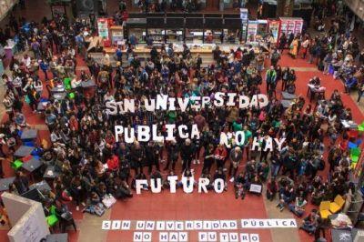 El gobierno nacional convocó a los docentes universitarios en medio de la escalada del conflicto