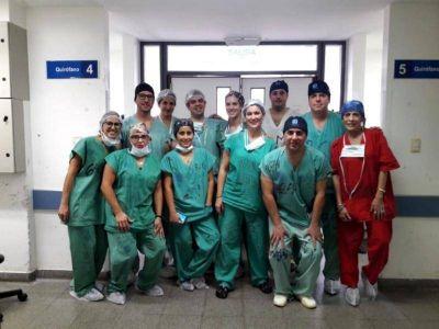 Un platense podrá volver a caminar gracias a un inédito implante realizado en el Hospital San Martín