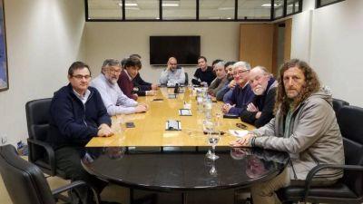 Ministros de Vidal aseguraron a ATE que no habrá despidos, privatización, ni cierre en Astilleros