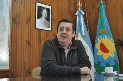 Intendente PJ no consiguió los votos en el Concejo Deliberante, renunció y lo quieren convencer