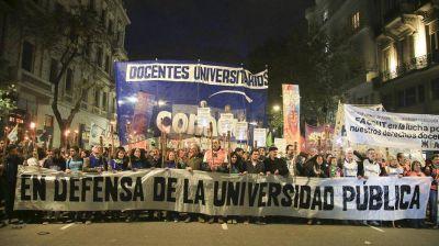 Paro en las universidades: qué reclaman los docentes y qué ofrece el Gobierno