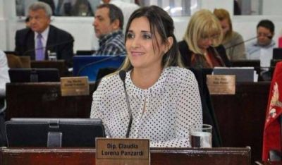 Panzardi satisfecha tras declarar en Comodoro Py por la causa GIRSU