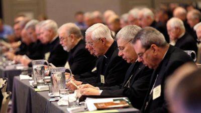 """El """"dossier"""" contra el Papa y la crisis de la Iglesia estadounidense"""