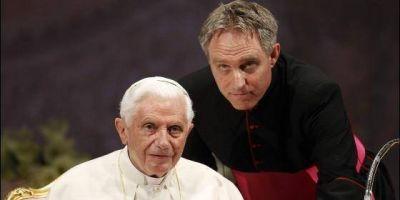Gänswein desmonta el relato de que Benedicto XVI apoya las acusaciones de Viganó: