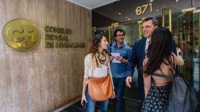 En un día difícil por la fuerte suba del dólar, los gobernadores del PJ convocaron a Sergio Massa para conocer su opinión sobre la economía